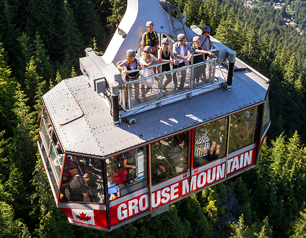 Travel of the rooftop of the Grouse Mountain Skyride!